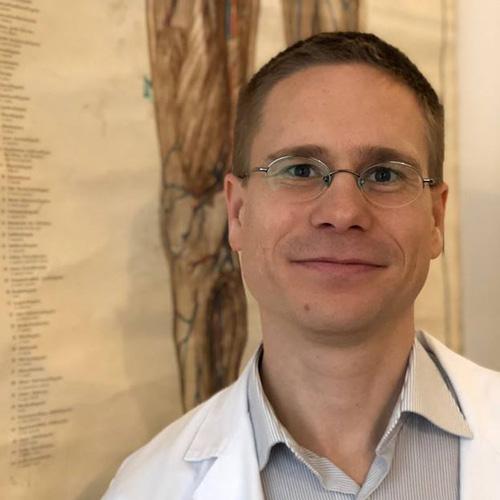 dr-pordany-balint-sebesz-szakorvos